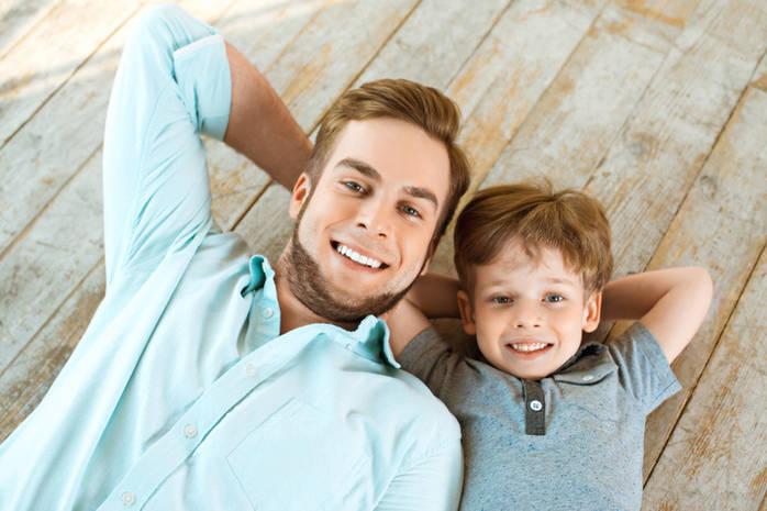Отсутствие или присутствие отца оказывают влияние на воспитание сына .