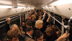 Человек умирал в метро на глазах сотен людей