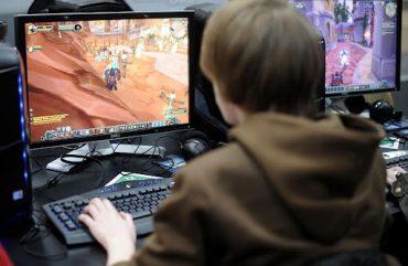 Уже никаких игр на свежем воздухе практически не наблюдается. Предпочтение - глобальные стратегии онлайн.